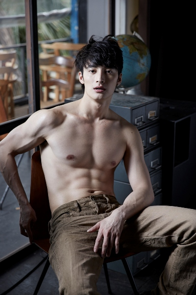 ผลการค้นหารูปภาพสำหรับ หนุ่มเกาหลีหล่อ ซิกแพค