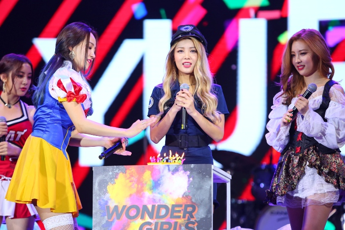 WONDER GIRLS FAN PARTY IN BANGKOK : TRICK & GREET