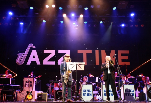JAZZ TIME (12)
