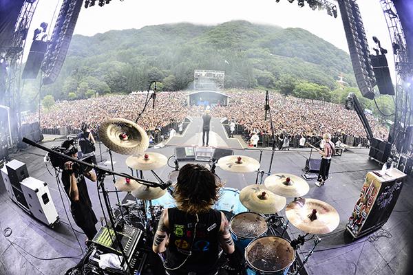 ONE OK ROCK - ภาพจากงาน Fuji Rock Festival 2015