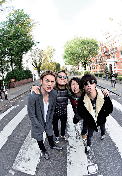ONE OK ROCK - Official Photo 04