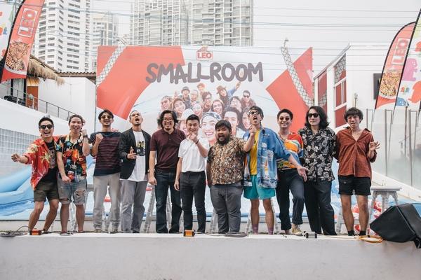 smallroom holiday party (2)